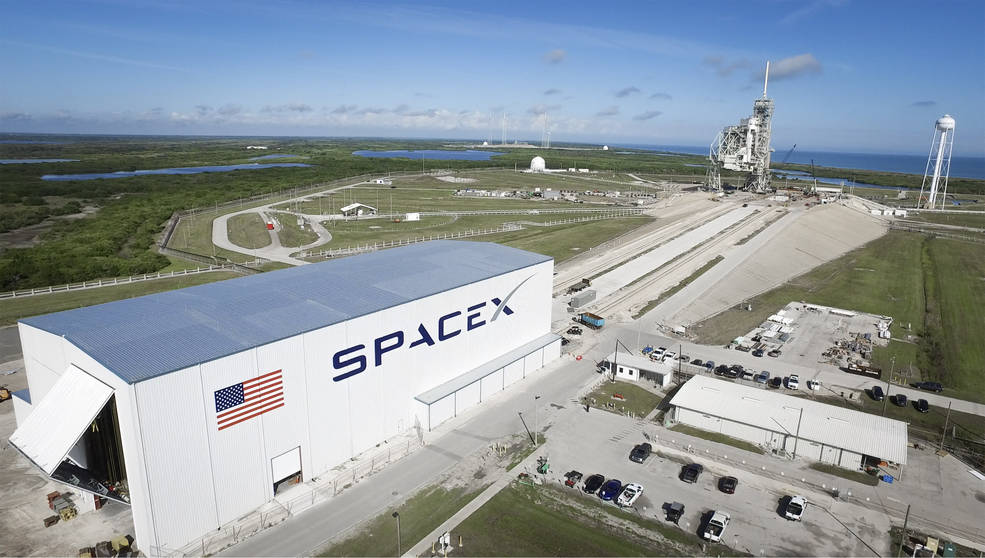 Launch Pad 39A at NASA's Kennedy Space Center in Florida undergoes modifications by SpaceX to adapt it to the needs of the company's Falcon 9 and Falcon Heavy rockets, which are slated to lift off from the historic pad in the near future. A horizontal integration facility has been constructed near the perimeter of the pad where rockets will be processed for launch prior of rolling out to the top of the pad structure for liftoff. SpaceX anticipates using the launch pad for its Crew Dragon spacecraft for missions to the International Space Station in partnership with NASA's Commercial Crew Program.
