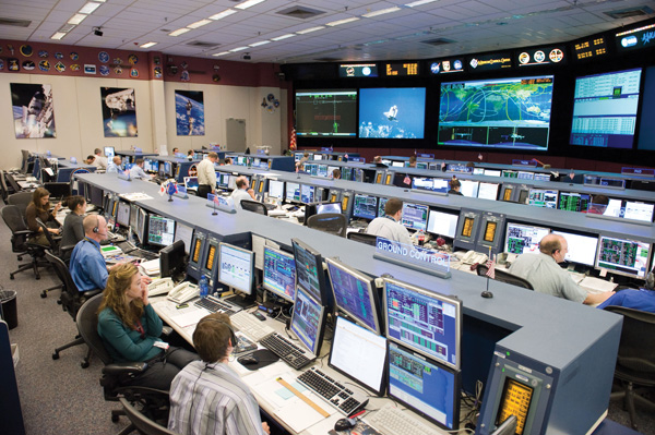 STS-128_MCC_space_station_flight_control_room