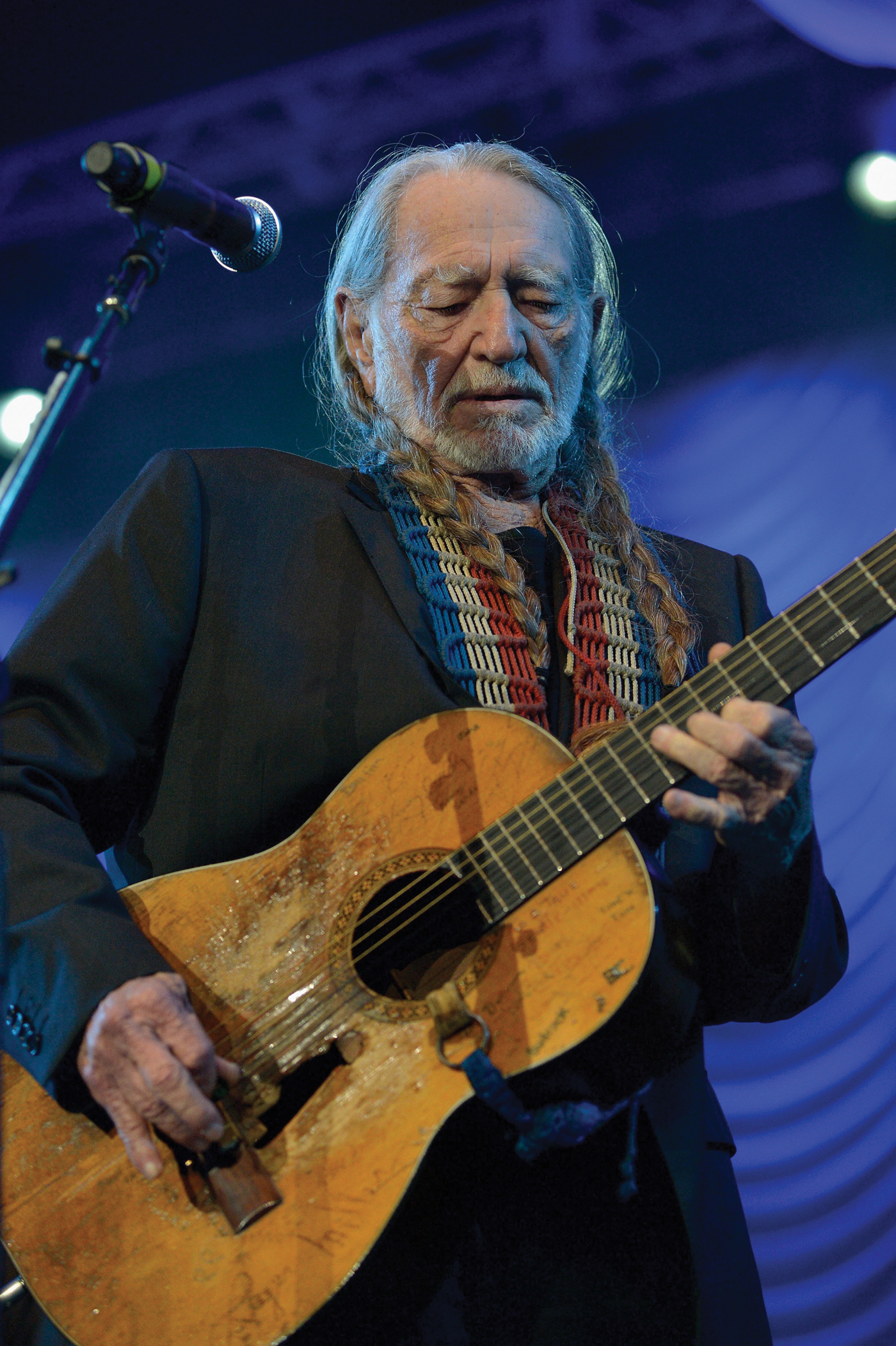 Willie Nelson performs during the 2013 Berklee College Of Music Commencement Concert. (Photo by Paul Marotta/Getty Images)